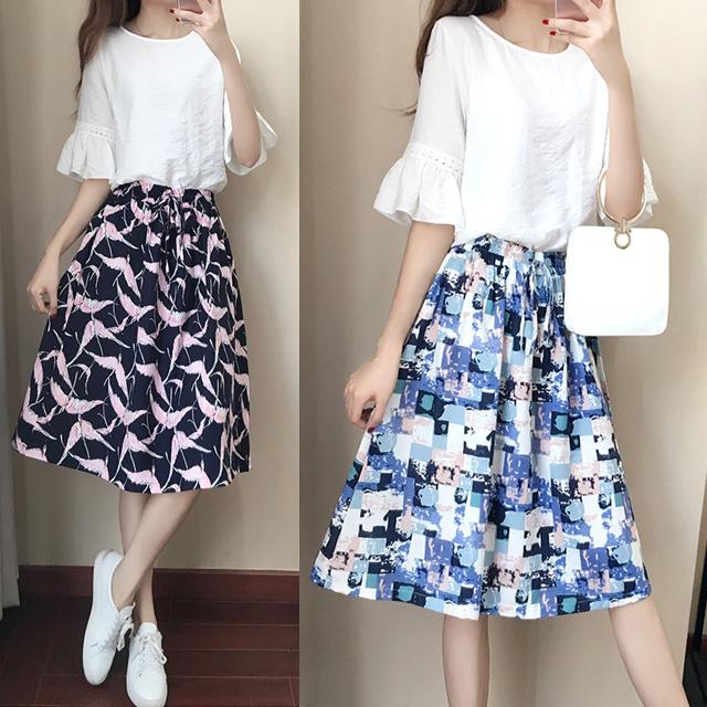異なる2つのデザイン♪フレア袖トップス×ミディアムスカートセットアップ★