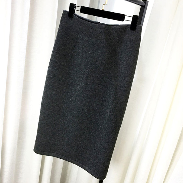 履くだけでいい女度UP☆後ろスリットのエレガントタイトスカート★
