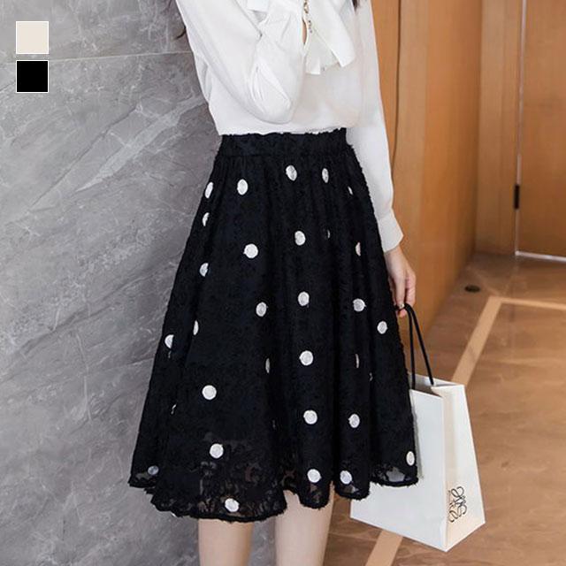 贅沢なふわふわフレアの主役級ドットスカート★