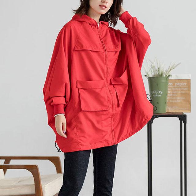 ポケット付の鮮やかレッドジャケット☆ゆったり着られる《ミニョンイージーライフ》★