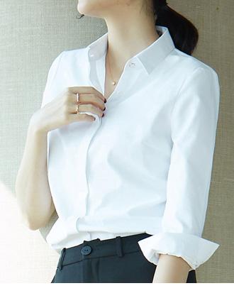 きちんと着こなして大人上品な、シンプル白シャツ(長袖)★