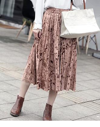 華やかな光沢感のある、ウエストゴムのベロアスカート★